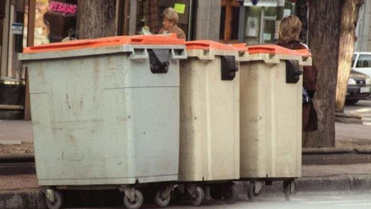 Un hombre salva a una persona inmigrante de morir triturada en el camión de basura