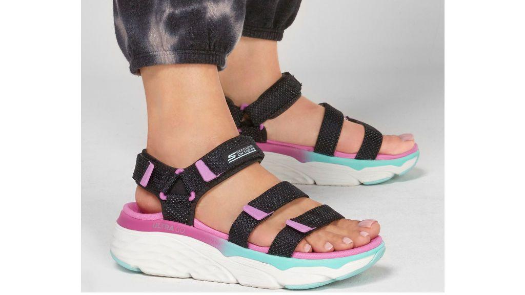 Las sandalias deportivas de Skechers.