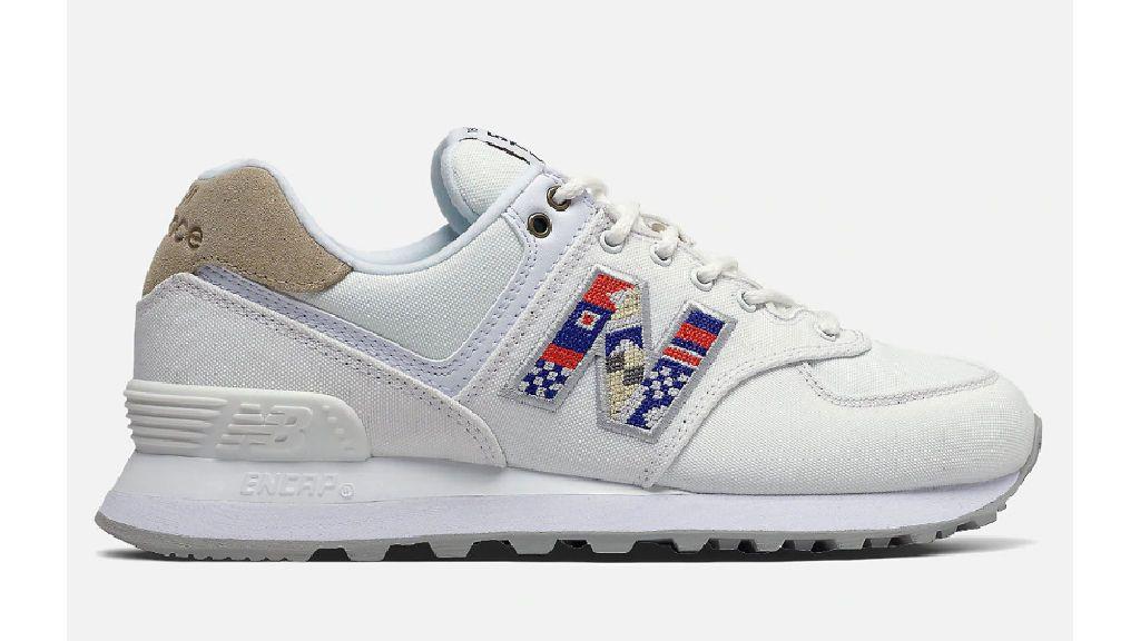 Las zapatillas de New Balance.