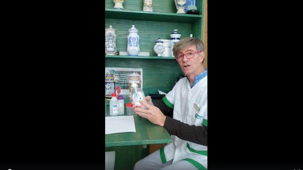 El boticario explicando la fórmula