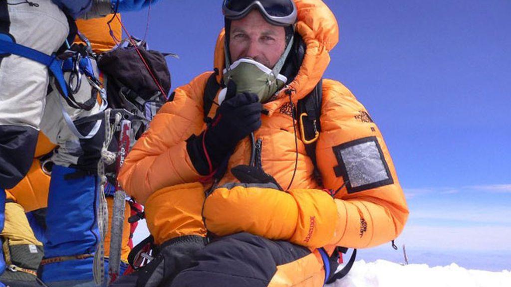 Las cuatro aventuras más extremas de Jesús Calleja: de los 40ºC bajo cero de la Antártida a la angustia de la sima más profunda