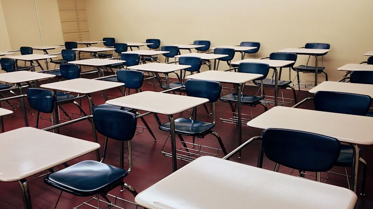 España cierra sus colegios