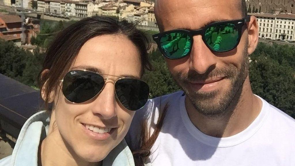 """La desesperación de la mujer de Borja Valero desde Italia: """"Ayudemos de verdad; quédate en casa"""""""