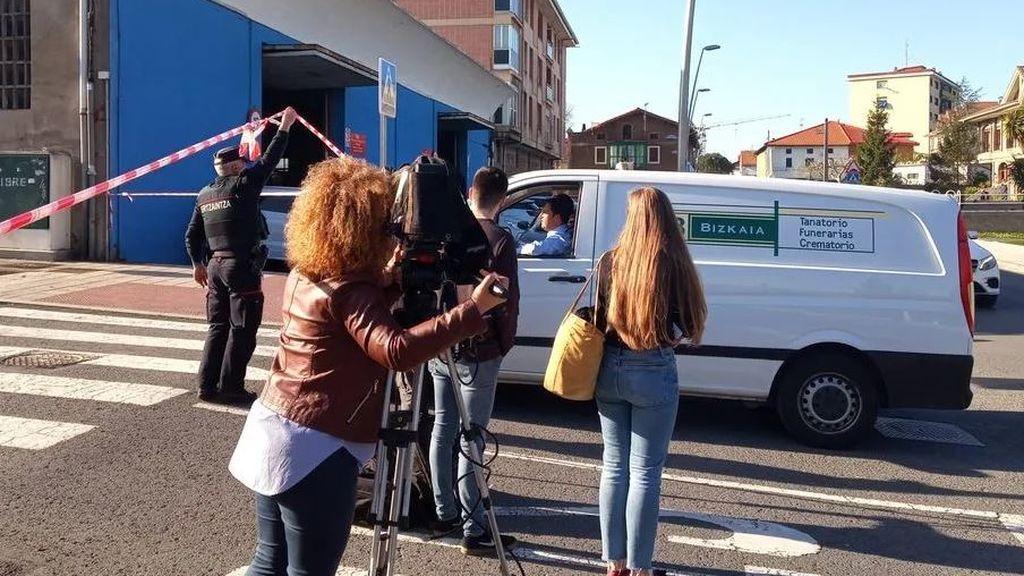 Envían a prisión al hombre acusado de matar a su mujer e hija en Abanto (Vizcaya)