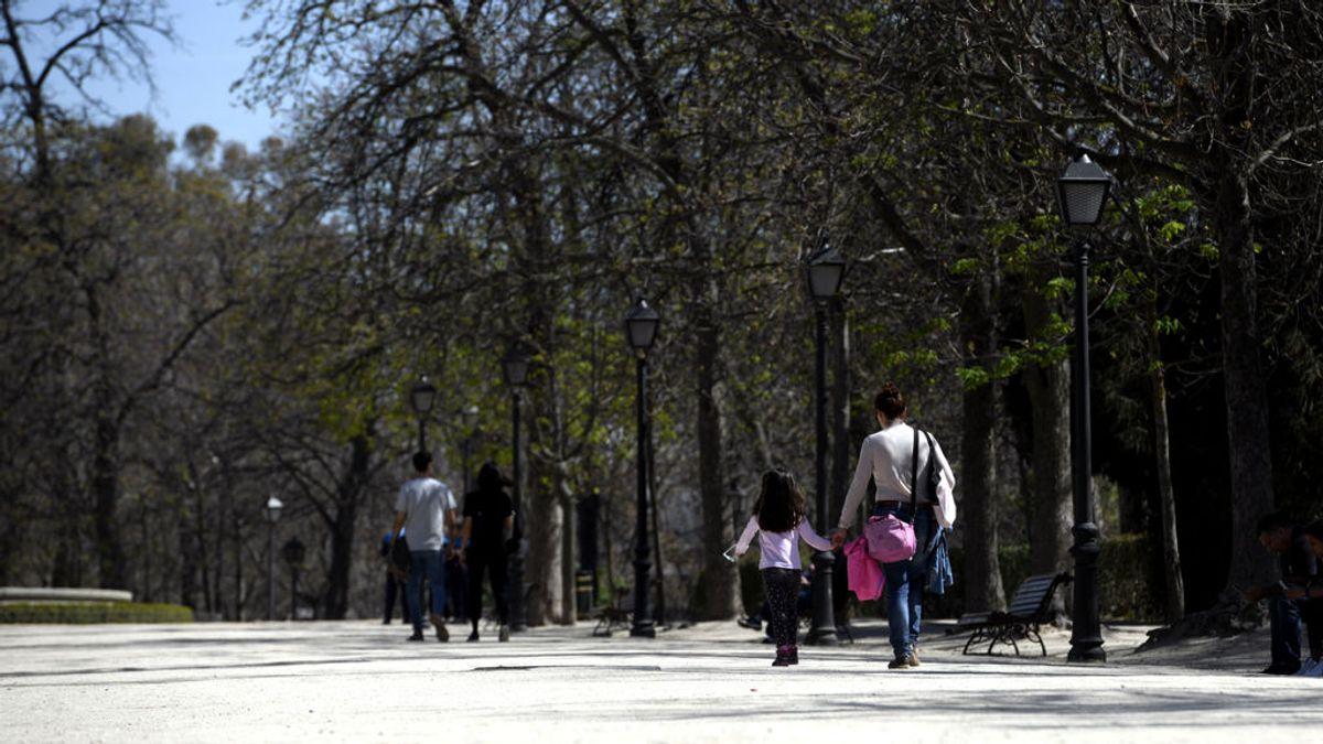 """El Ayuntamiento de Madrid cierra todos los parques a las 16 horas """"ante la aglomeración de personas"""""""