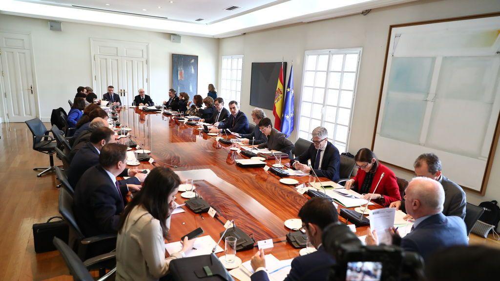 El Consejo de Ministros se reúne este sábado para decretar el estado de alarma por 15 días