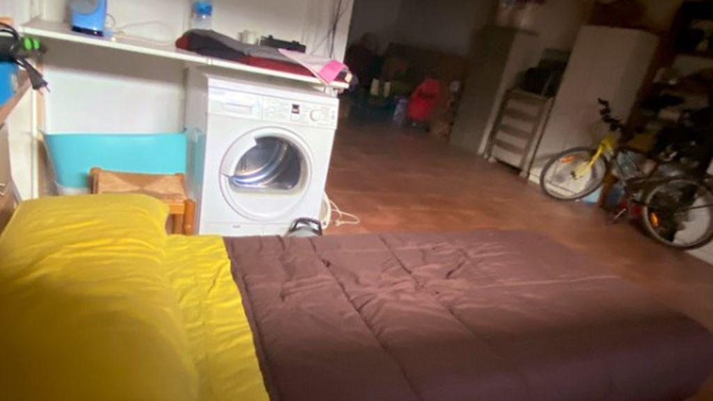 Eva cuenta la historia de su padre: el médico que duerme en el garaje para no contagiar a su familia