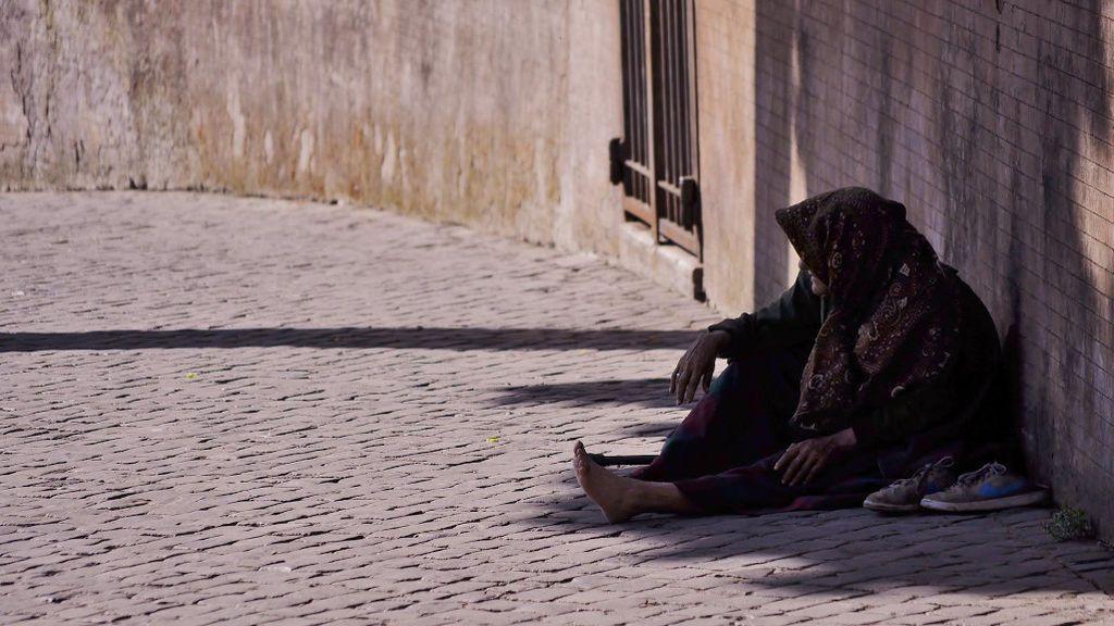 ¿Cómo hacer cuarentena si vives en la calle? El drama de los sin techo ante el COVID-19