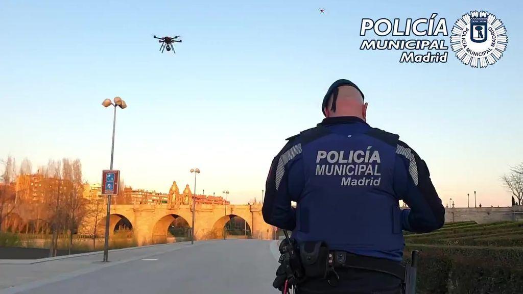 La Policía Municipal de Madrid utiliza drones para vigilar que se cumpla el estado de alarma en espacios públicos