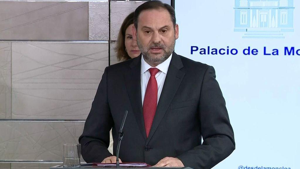 Ábalos anuncia la reducción de los servicios de transporte por carretera, ferroviarios, aéreos y marítimos