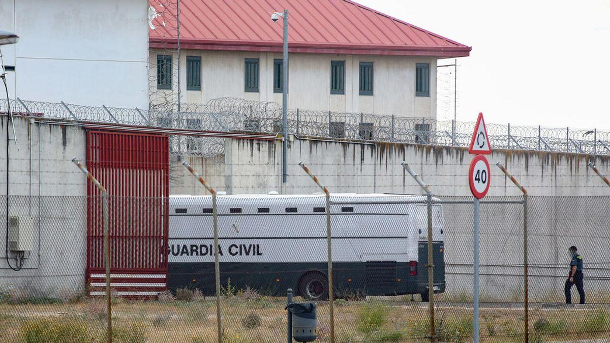 Interior prohíbe permisos y comunicaciones en las cárceles