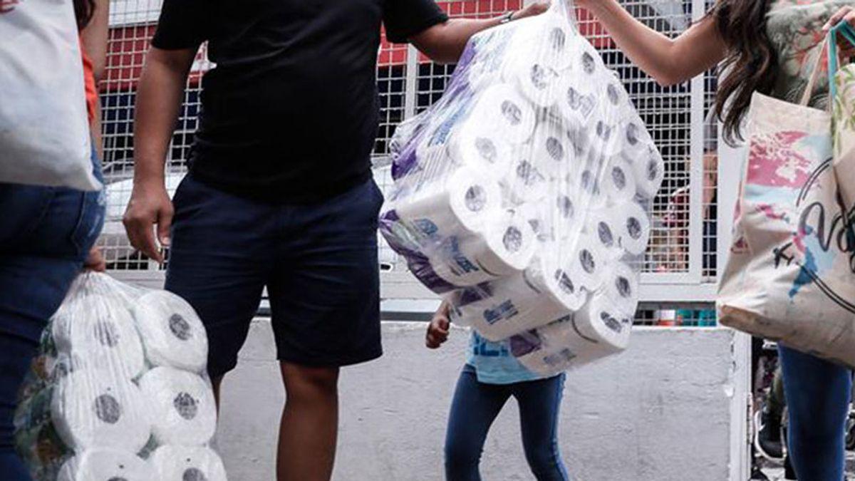 Coronavirus en España: Los supermercados restringen horarios, aforos  y limita la cantidad del mismo producto