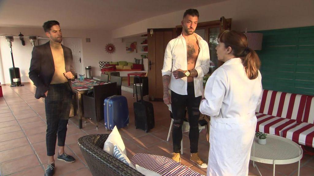 Una doctora examinó a los tronistas y a los pretendientes antes de que entraran en la casa