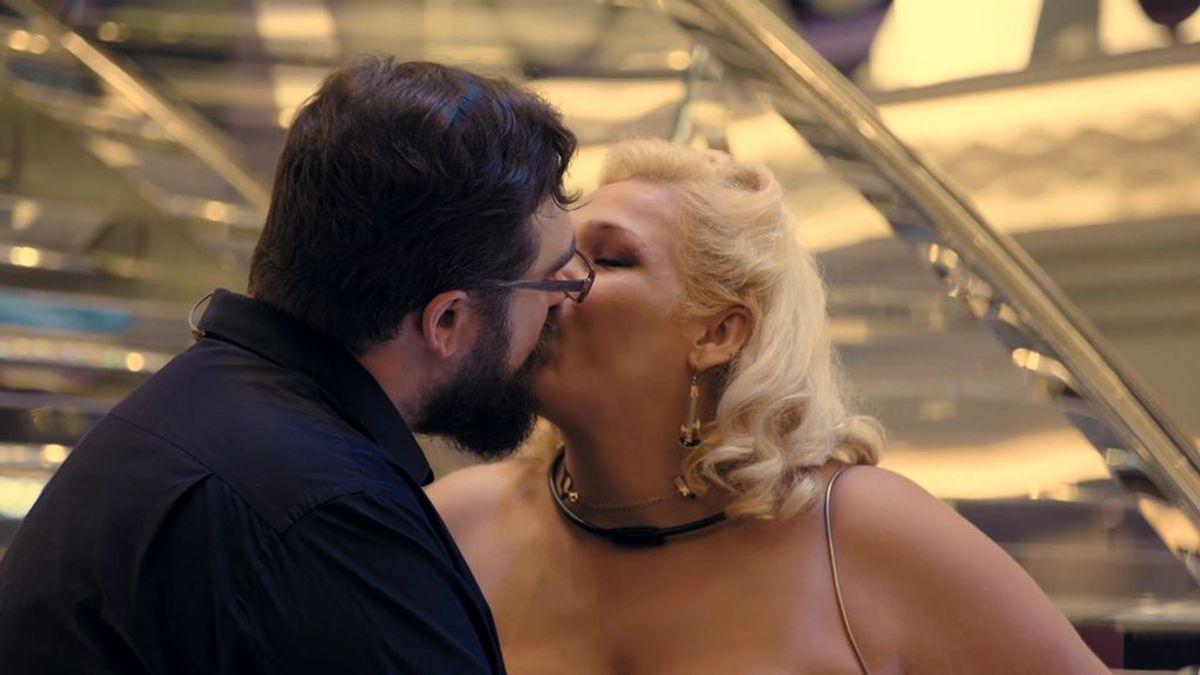 """Ángel y Sara, pasión en la sesión de fotos: """"Hacía seis años que no me enamoraba"""""""