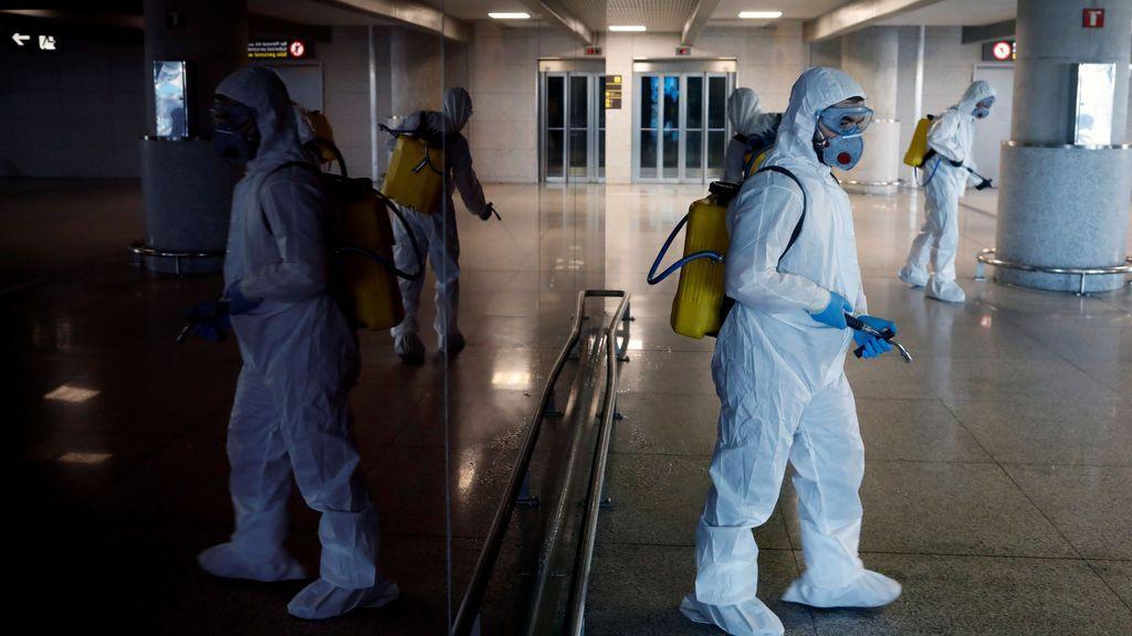 La OMS avisa de que las personas que ya no tienen síntomas pueden seguir infectando durante 2 semanas