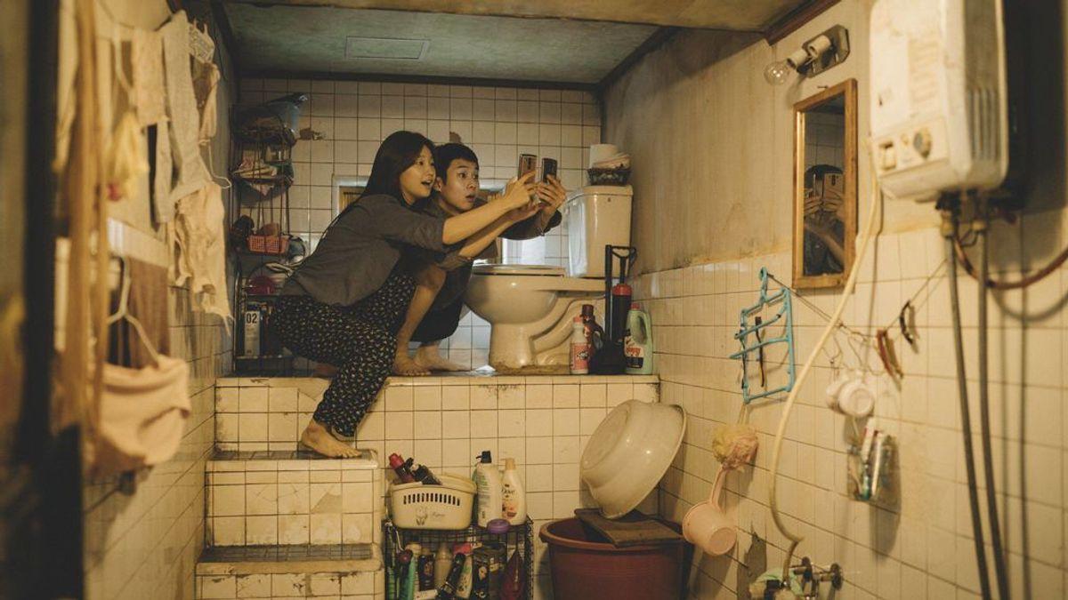 Higiene, aislamiento y mucho móvil: así se adapta una casa en la que viven mayores y familiares con síntomas