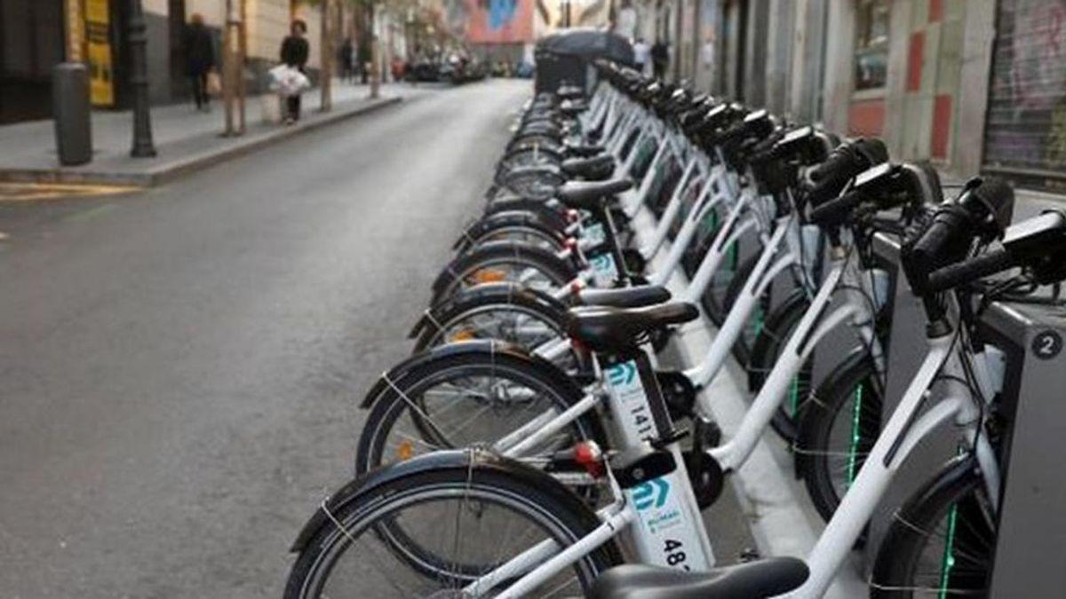 Desarticulan el pago de los aparcamientos en las calles de Madrid y no habrá Bicimad