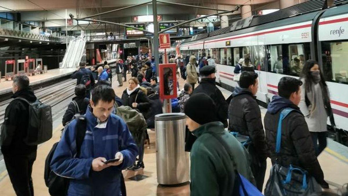Renfe reforzará varias líneas de Cercanías en Madrid tras las quejas por las aglomeraciones