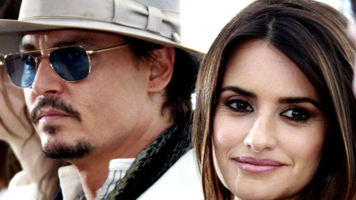 """Penélope Cruz defiende a su """"gran amigo"""" Johnny Depp en el caso de maltrato a su ex mujer"""