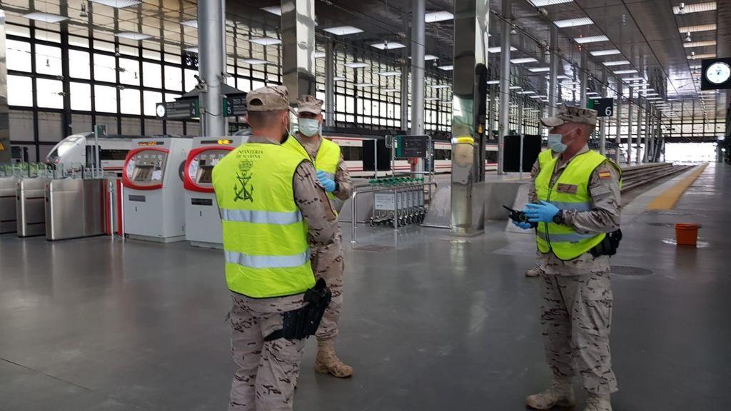 El Ejército de Tierra y la Armada se unen a la UME en 28 ciudades españolas y llegan al País Vasco