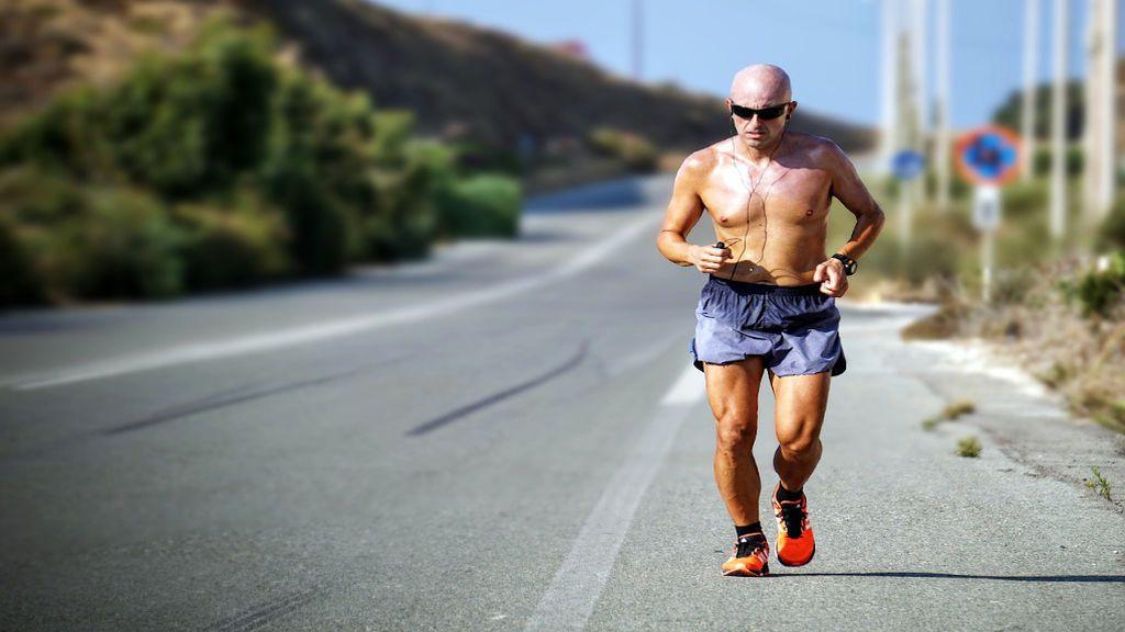 Correr a partir de los cincuenta puede acabar con tus rodillas: consejos para evitarlo