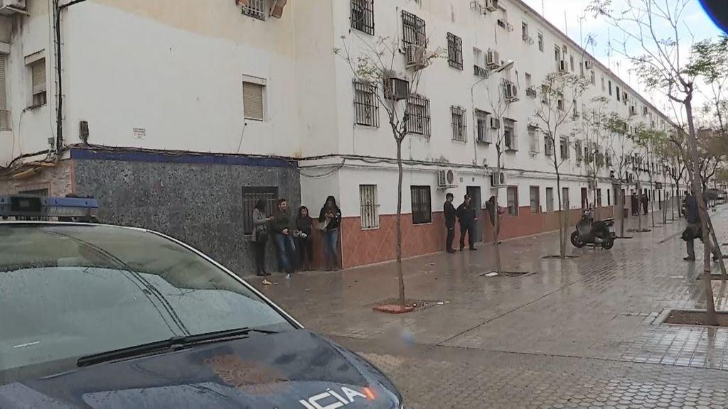 Rebelión en la barriada sevillana de 'Los Pajaritos' contra la reclusión en los hogares