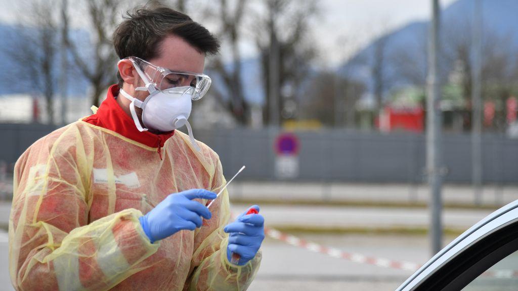 """Sanidad reconoce que los test rápidos """"pueden incrementar sustancialmente los positivos"""" por coronavirus"""