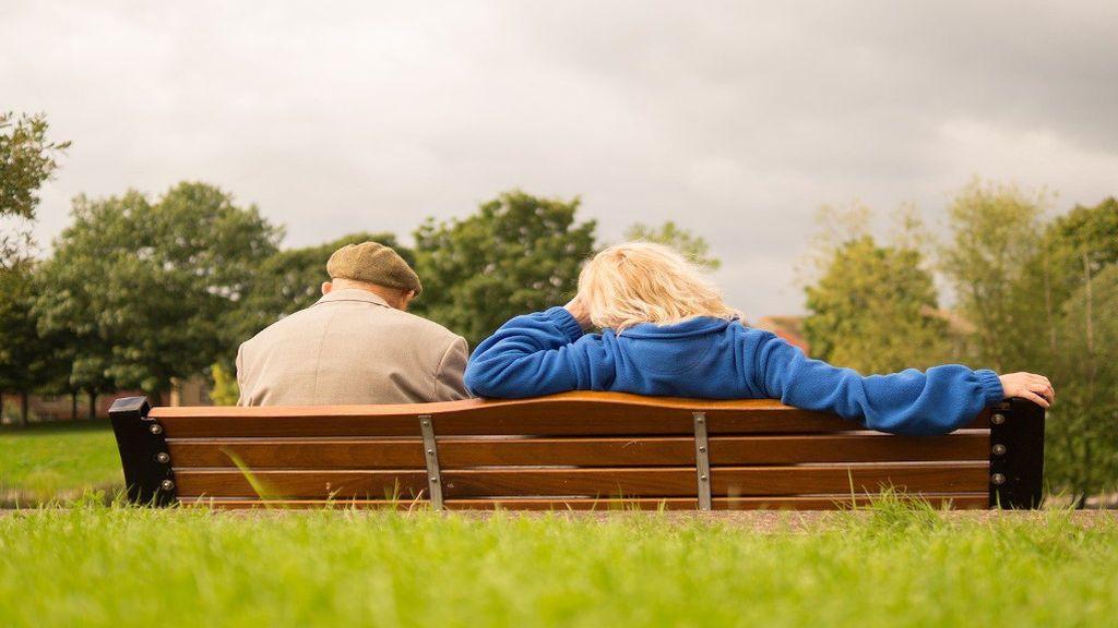 Cuánto cuesta que una persona cuide de tus padres y requisitos legales