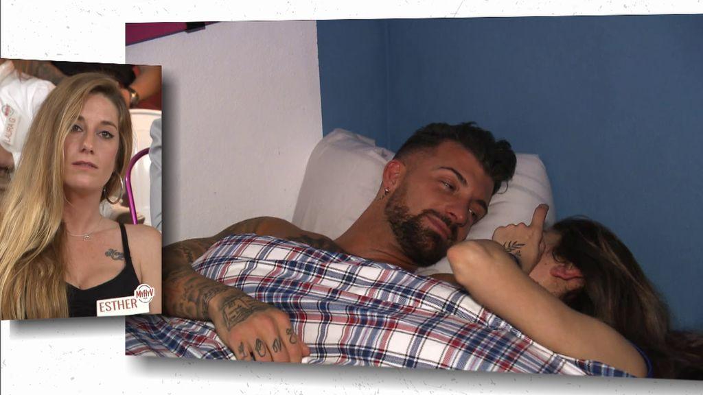 La hora de la siesta de Rubén y Sandra en su cita sin cámaras
