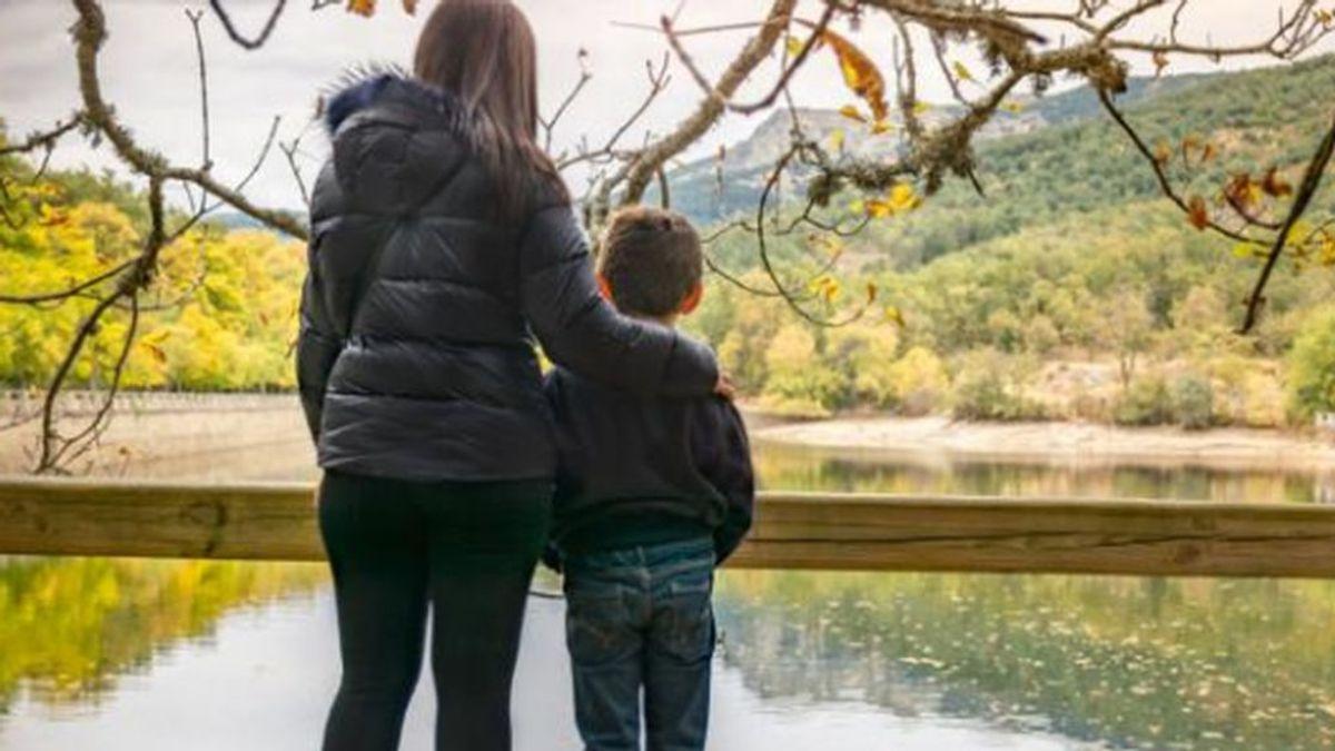 Los jueces de familia de Barcelona acuerdan que en las custodias el hijo se quedarán con el que esté si no da positivo