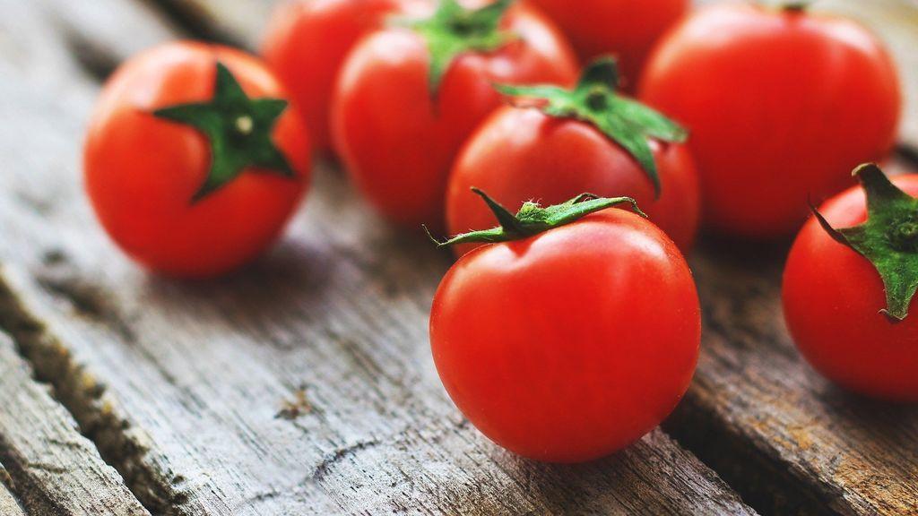 tomatoes-4238247_1920