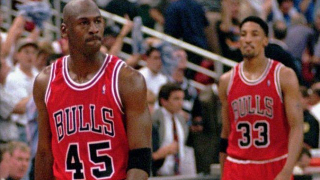 Michael Jordan con el número 45