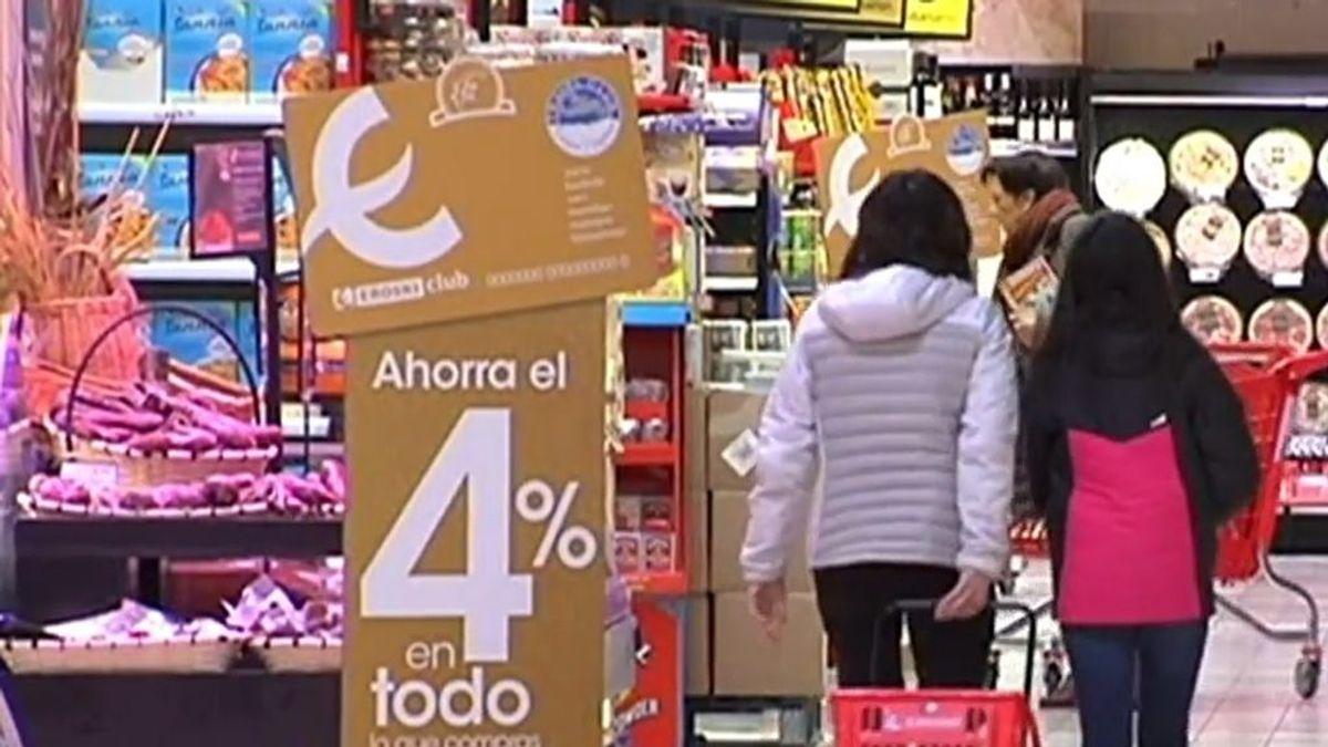 Las autoridades permiten hacer la compra o ir a la farmacia con los niños