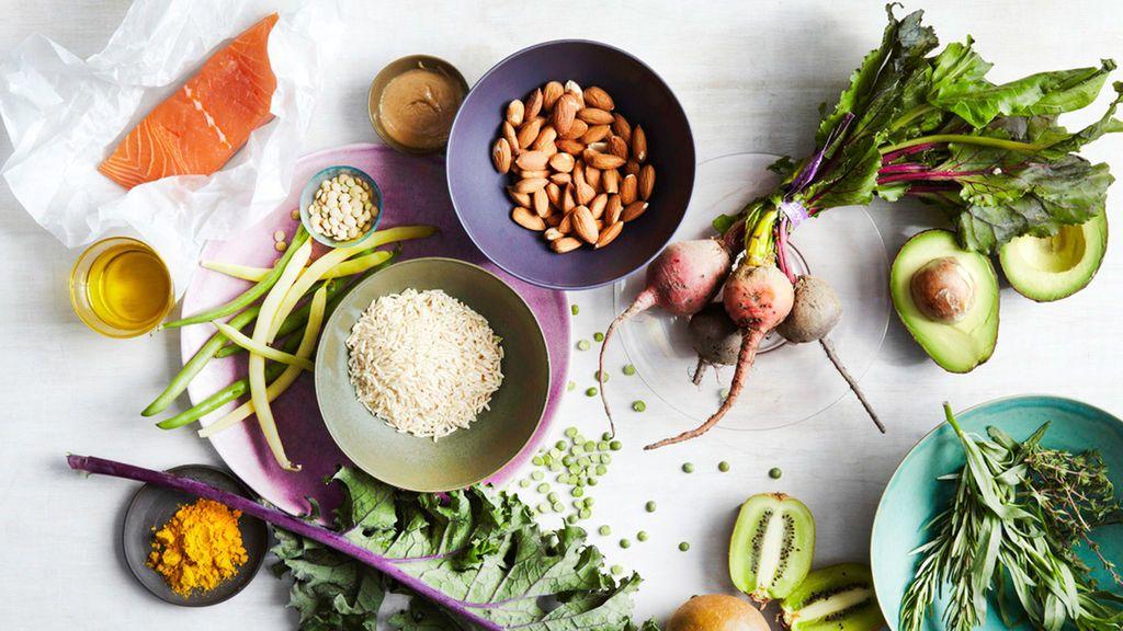 La dieta recomendada durante el aislamiento para estar más sanos y no engordar