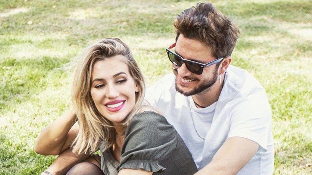 Manuel Carrasco y Almudena Navalón desvelan el nombre que han elegido para su segundo hijo