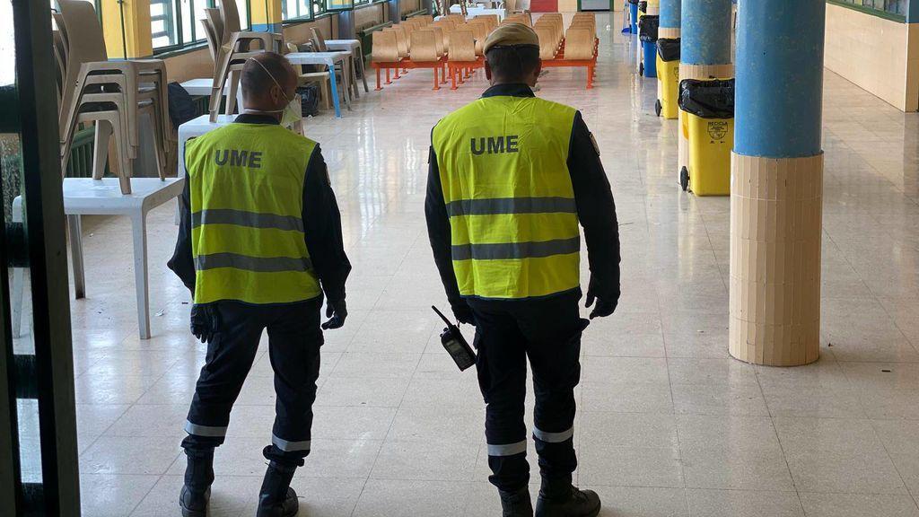 La UME desinfecta las cárceles para evitar la propagación del coronavirus