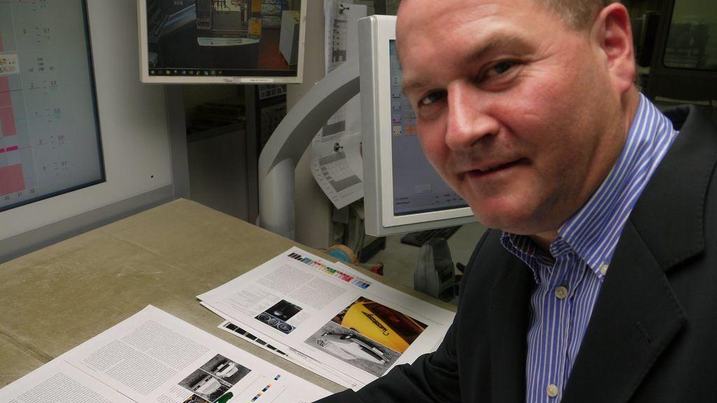 Rolf Mahlke trabajando en un número de su revista, Oktan 79.