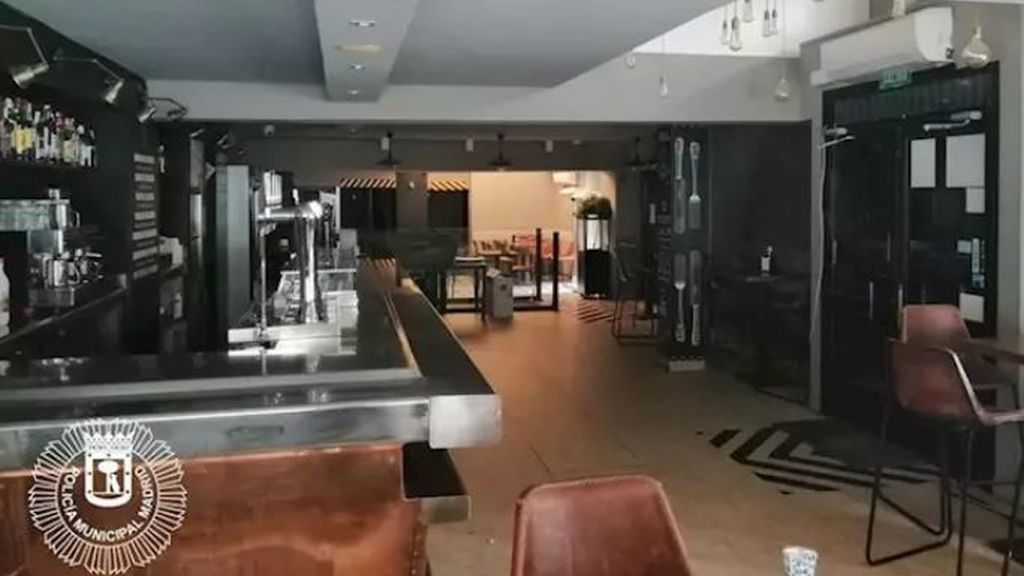 Desalojada una cafetería abierta que daba desayunos a 15 clientes de un hostel cercano en Madrid