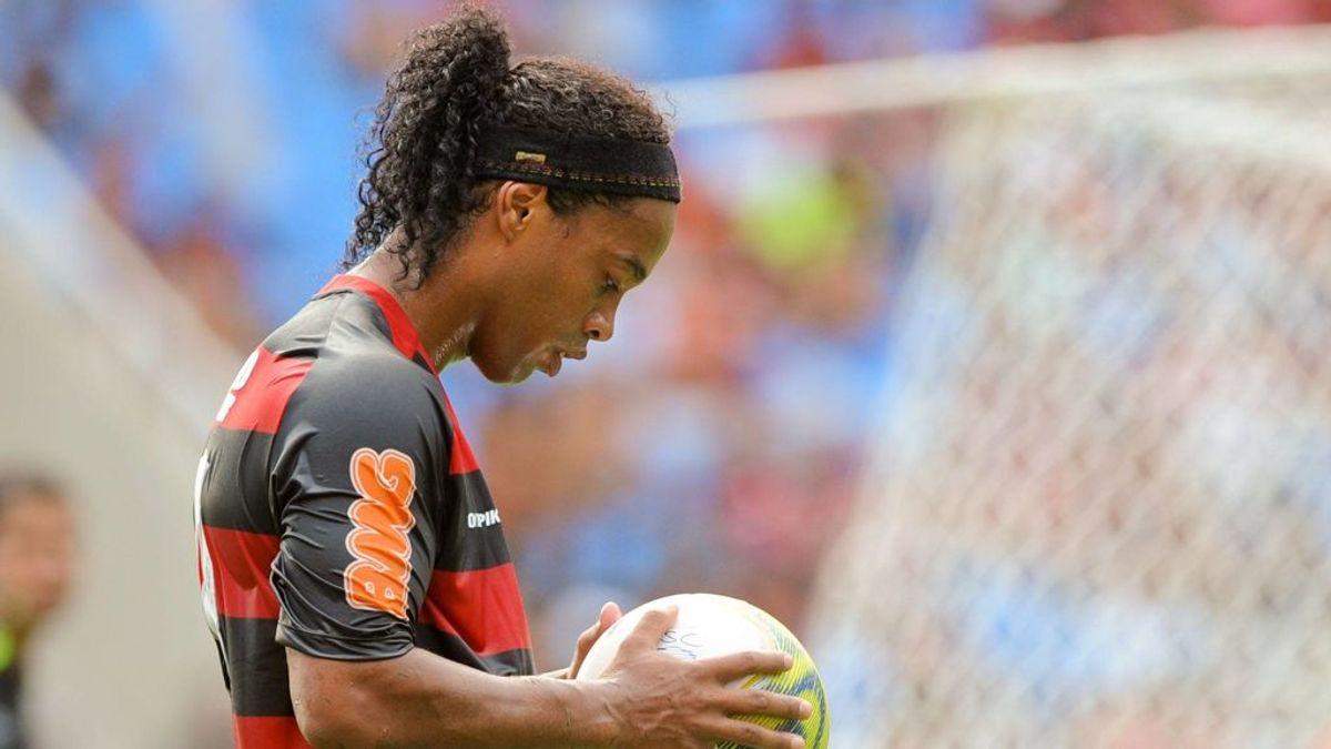 Ronaldinho celebra su 40 cumpleaños en la cárcel de Paraguay: sin fútbol por el coronavirus