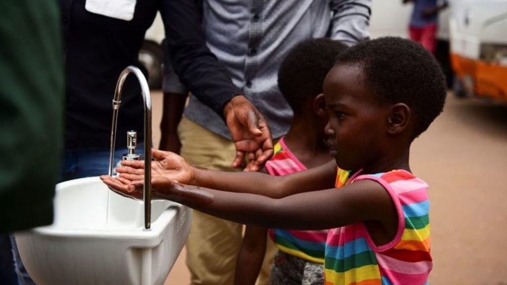 Más de 3.000 millones de personas no tienen agua para lavarse las manos y frenar el coronavirus