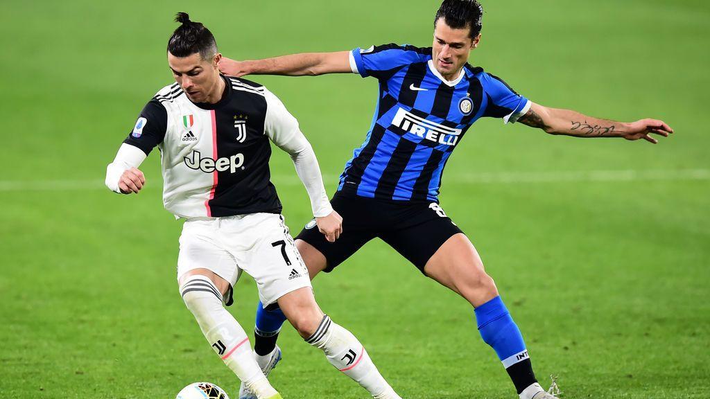 El fútbol italiano se plantea recortar un tercio el salario de sus jugadores