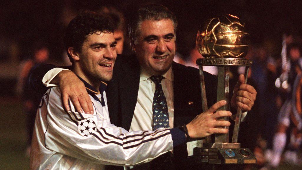 Lorenzo Sanz, junto a Manolo Sanchís.