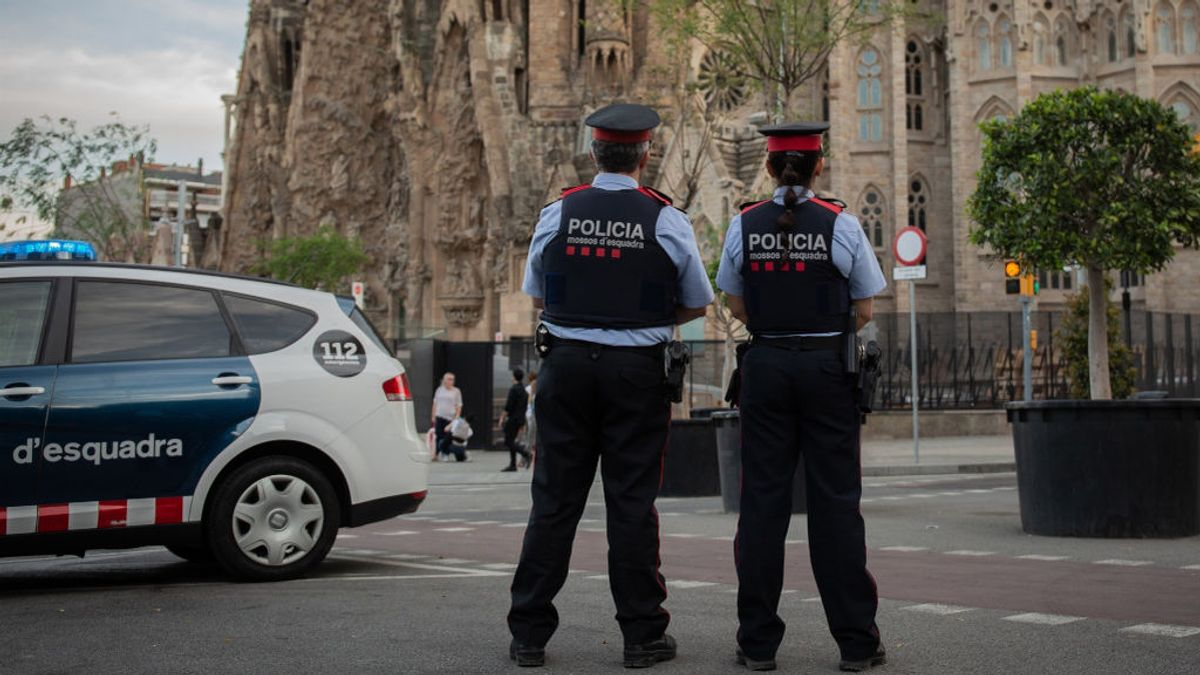 Más de 1.000 policías en Cataluña, confinados por sospecha de COVID-19