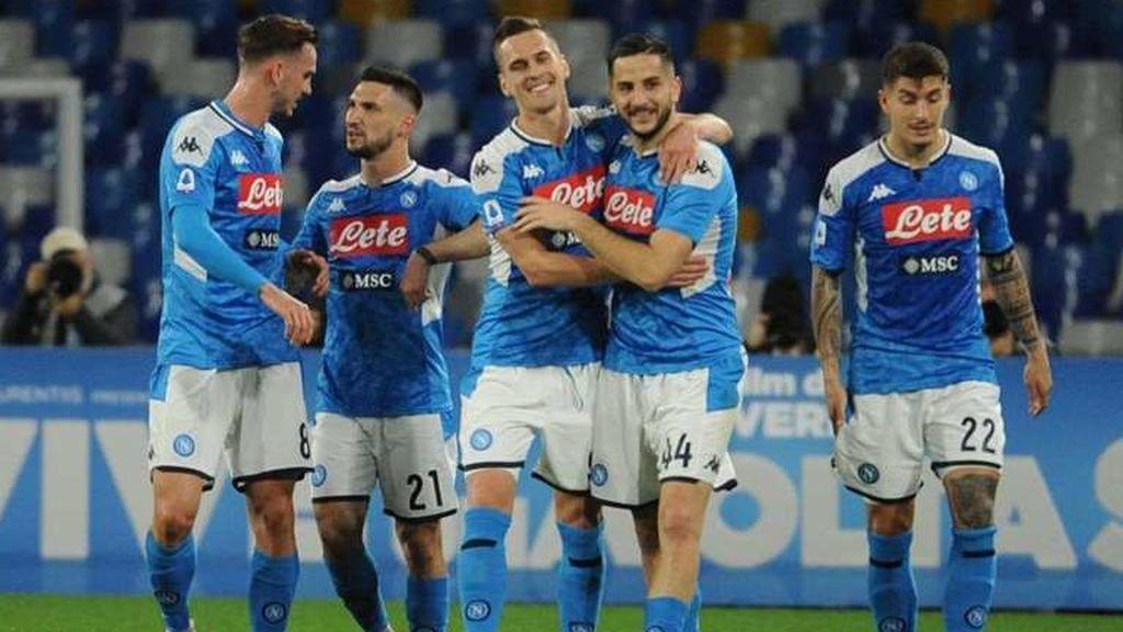 El Nápoles anuncia que reanudará sus entrenamientos el día 25 a pesar de la crisis por el coronavirus