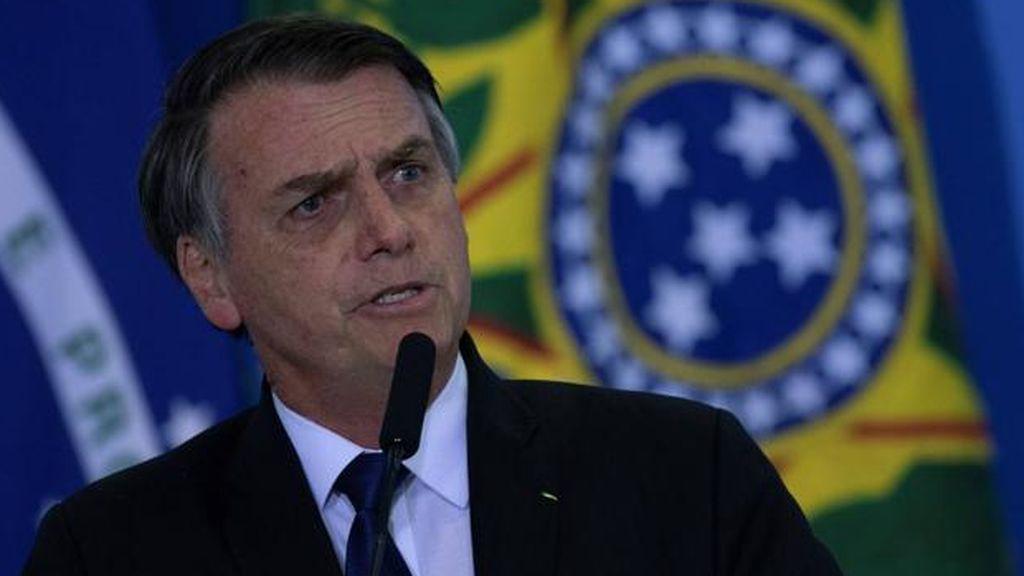 """Bolsonaro califica de """"lunático"""" al gobernador de Sao Paulo por ordenar la cuarentena para frenar el coronavirus"""