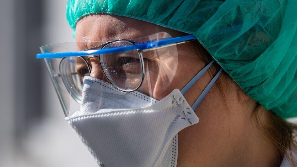 Contagios con alta carga viral: los sanitarios, los más expuestos