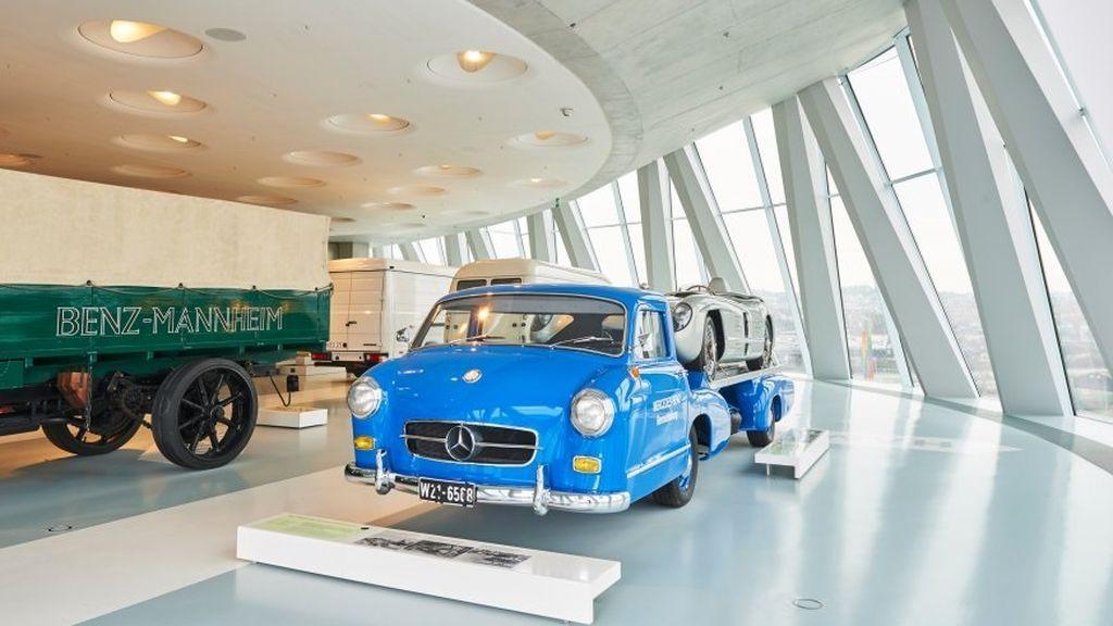 Mercedes Benz Museum Tour