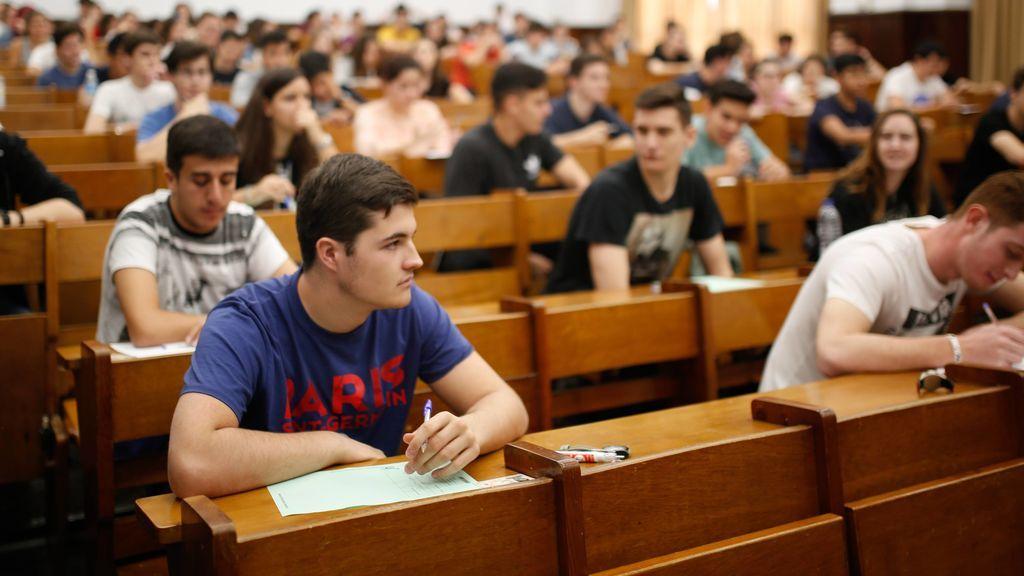 """Los estudiantes protestan por la Selectividad 2020: """"Todo suspendido por la irresponsabilidad"""""""