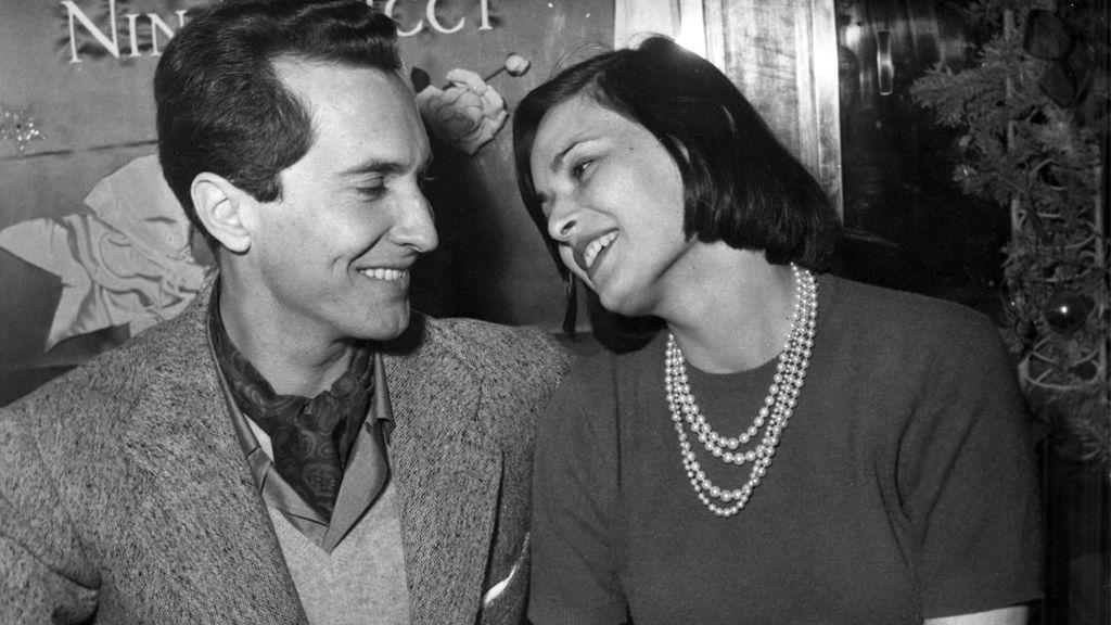 Lucía Bosé y Luis Miguel Dominguín, en París (1955)