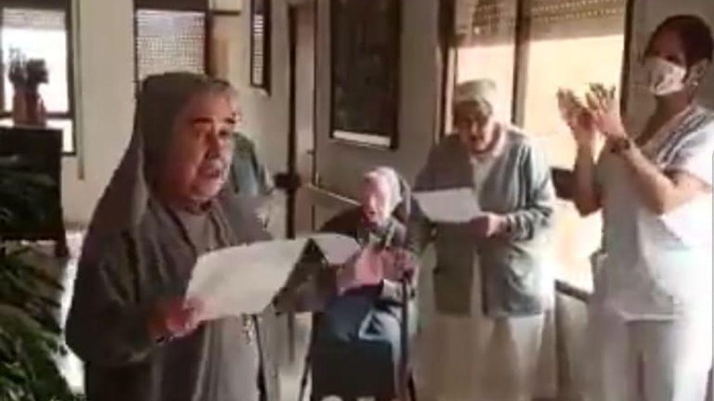 Las monjas de Tarragona su suman a cantar el 'Resistiré' en plena crisis del coronavirus